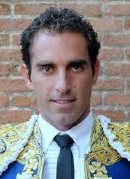 Foto del torero Salvador Cortés